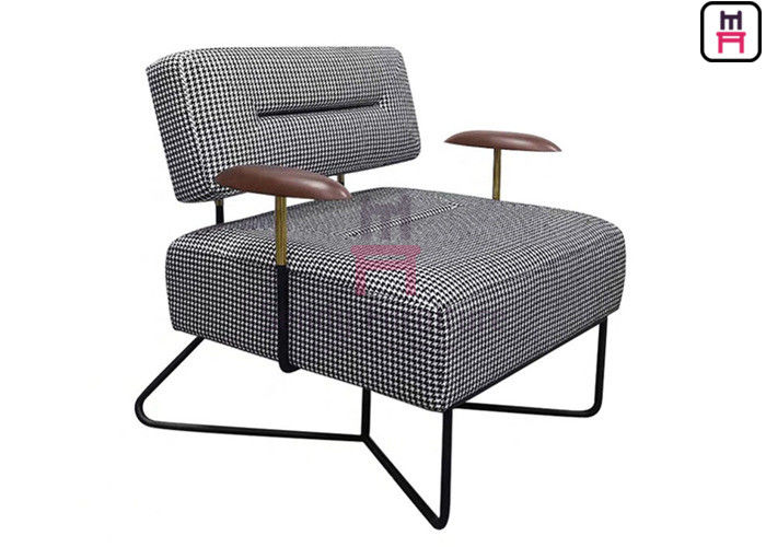 Metal Frame Plaid 0.7cbm Upholstered Single Sofa Chair Wood Armrests